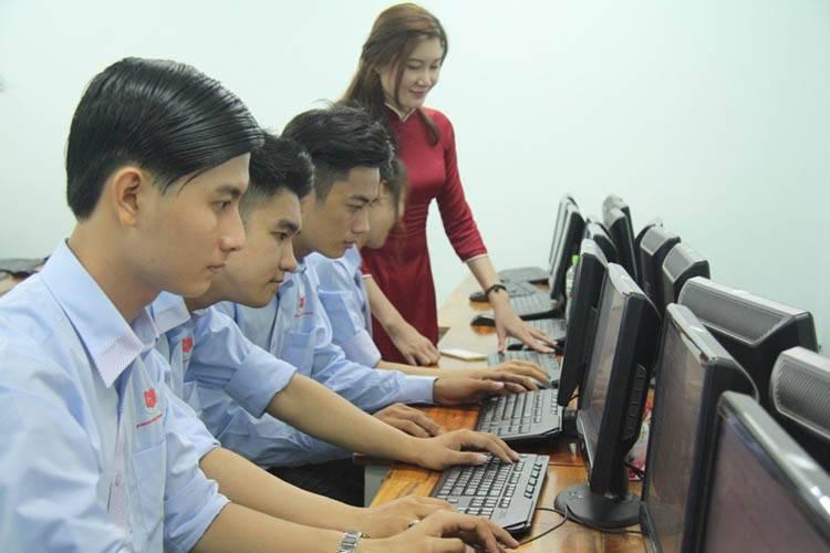 Ngành công nghệ thông tin làm gì? Học những gì?
